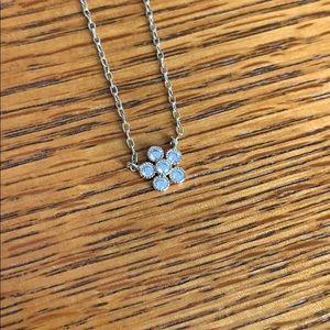 Petite bijoux flower pendant necklace
